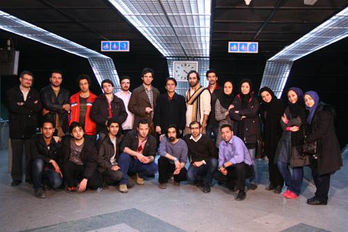 عکس یادگاری آخر ضبط با کی بریم سیزده به در، رحیم نوروزی، 4 صبح ـ عکس: فرزانه فرشباف فرشی